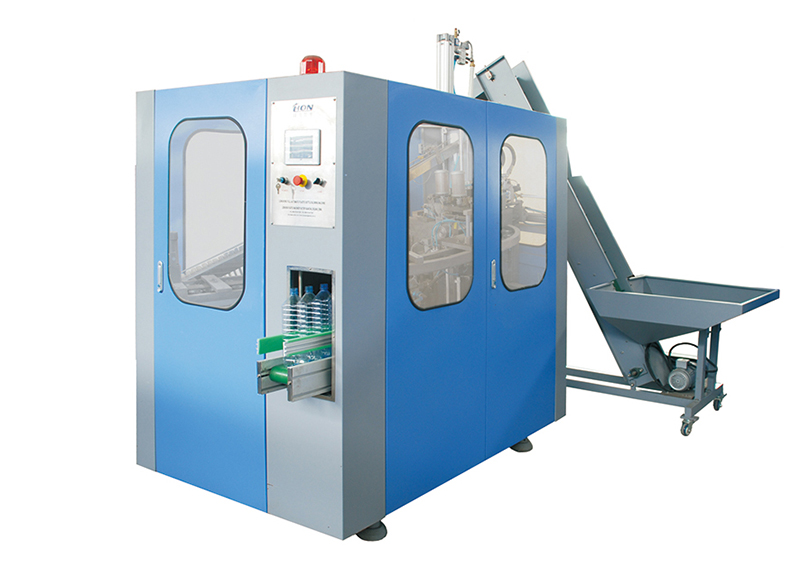 2000BPH automatic bottle blow molding machine